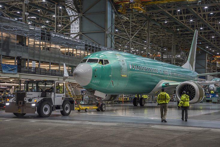 Boeing 737 MAX 8 (4).jpg