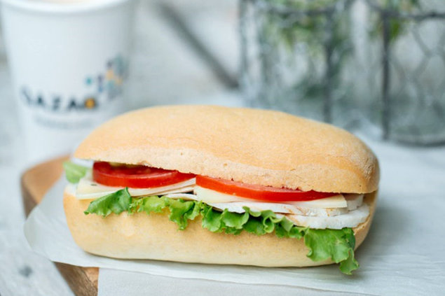 Qazaq Air - Сэндвич с куриной грудкой гриль.jpg