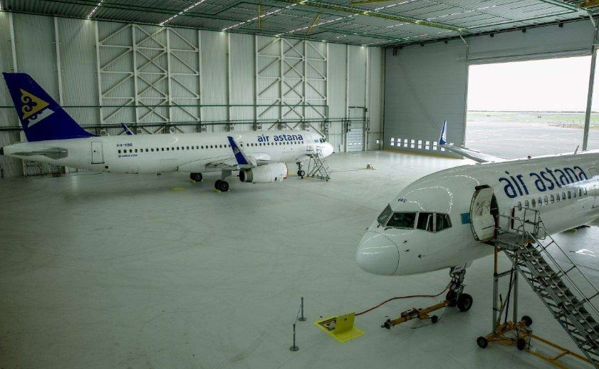 Авиационно-технический центр Эйр Астаны.jpg