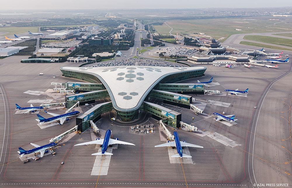 Международный аэропорт Гейдар Алиев сверху.jpg