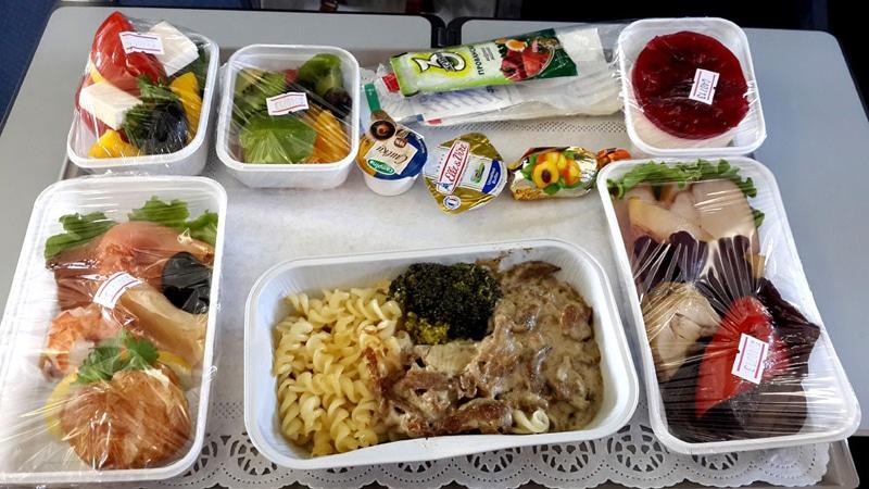 «Победу» обязали бесплатно кормить экипажи самолётов