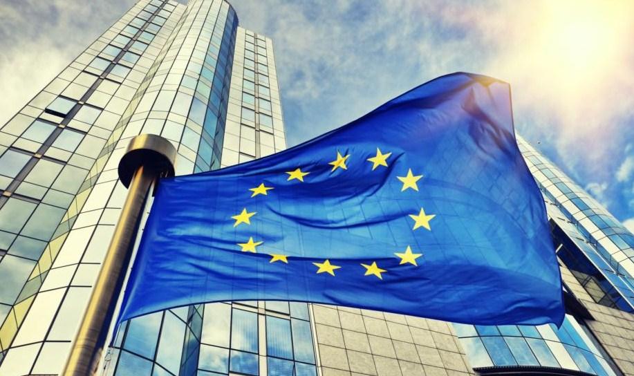 ЕС осудил запрет авиасообщения России с Грузией