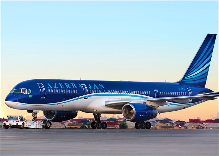 Летевший из Баку в Дубай самолет вернулся в аэропорт из-за сработавшего датчика дыма