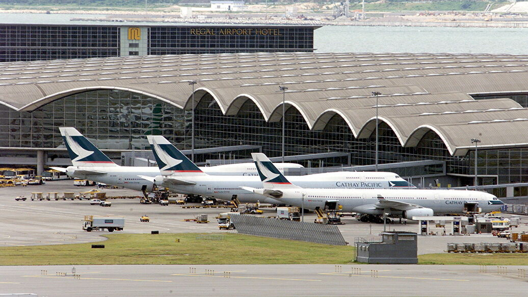 В аэропорту Гонконга отменили рейсы из-за протестов