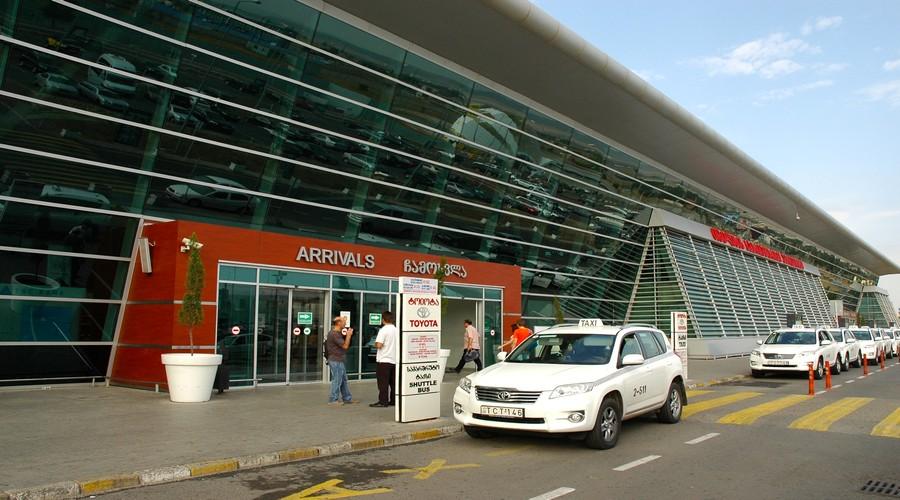 Пассажиропоток в аэропортах Тбилиси и Батуми снизился на 10%