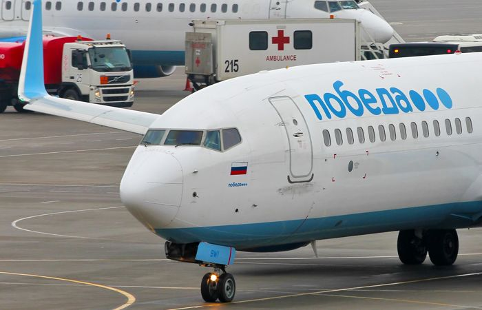 Самолет «Победы» совершил жесткую посадку в Армении