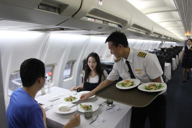 Ресторан внутри самолёта (2).jpg