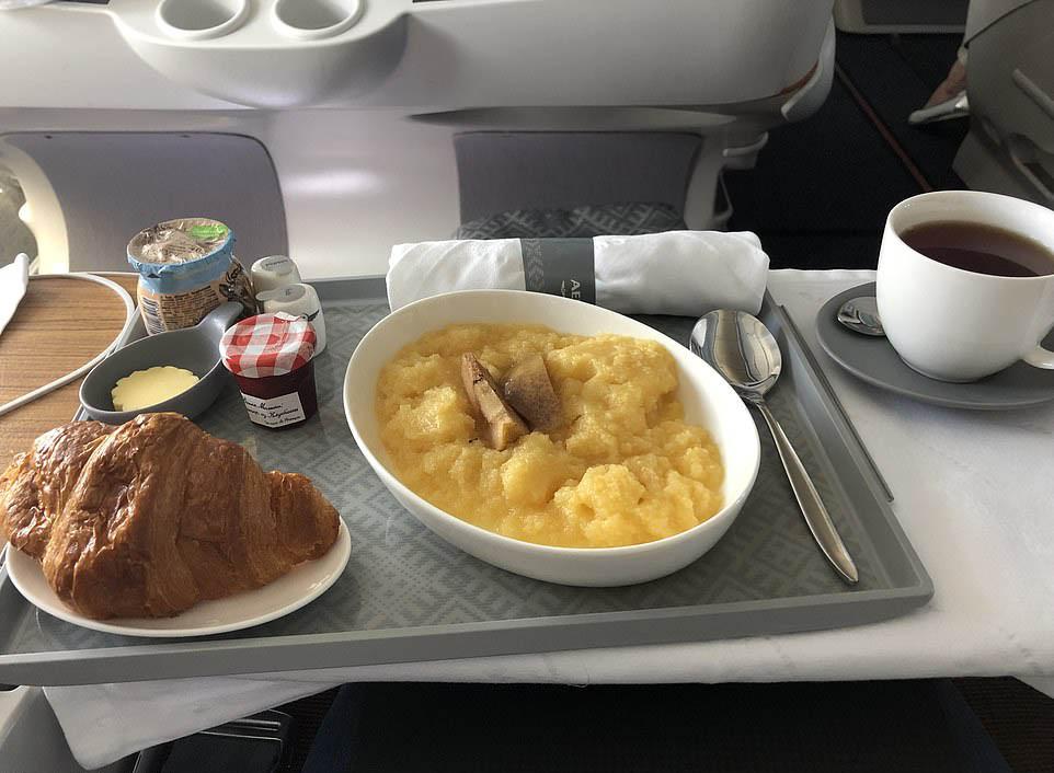Бизнес-класс авиакомпании Аэрофлот (6).jpg