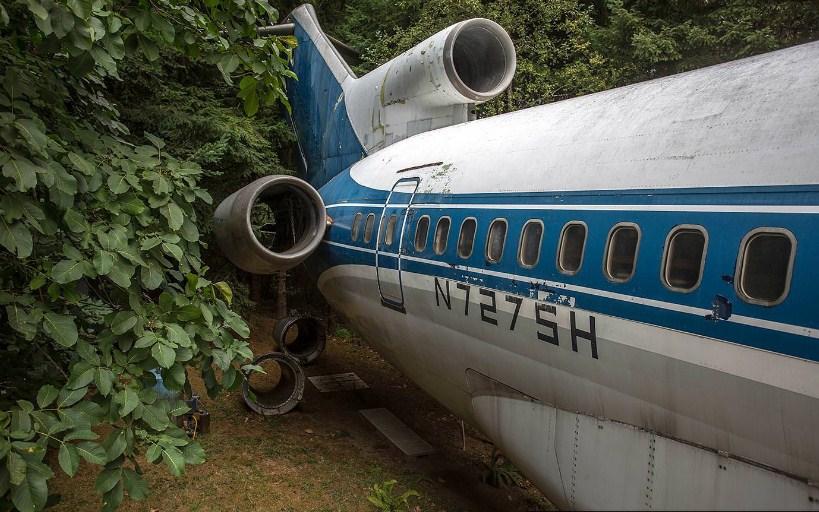 Списанный самолет