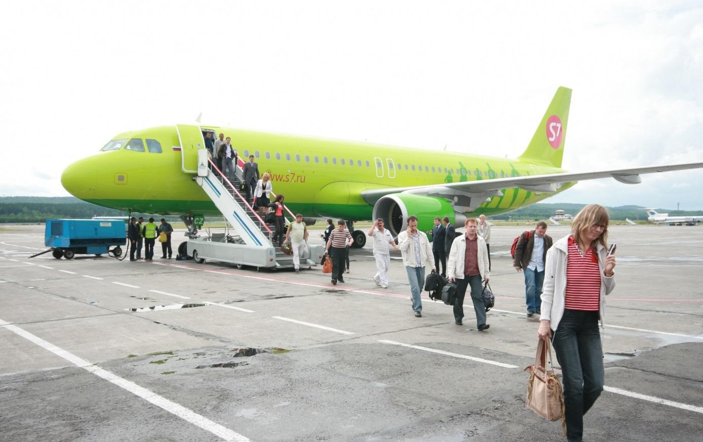Рейс авиакомпании S7 экстренно сел в Нерюнгри из-за плохого самочувствия пассажира