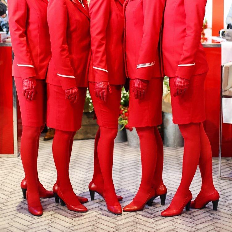 Стюардессы Austrian Airlines.jpg